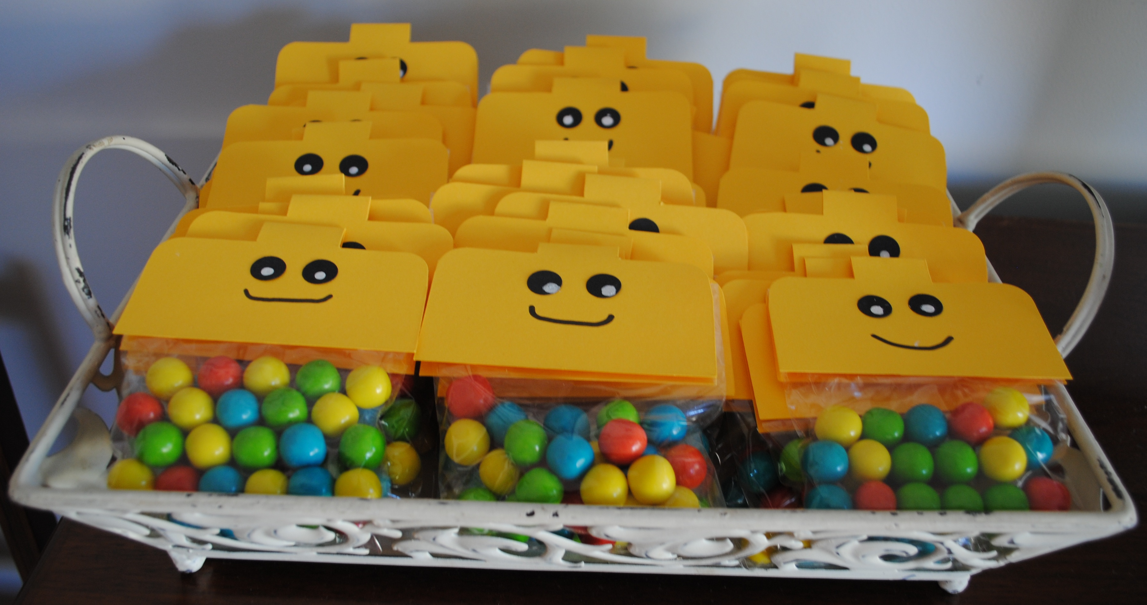 Oscar s lego party thecreativemummy for Decoration lego